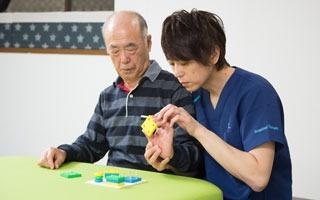 だるまリハビリセンター越谷 脳梗塞・脳卒中の後遺症に特化。機能回復の改善セラピー